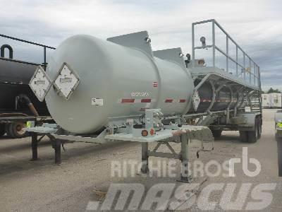 Purchase CUSTOMBUILT 2000 Gallon T/A tanker trailers, Bid