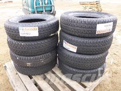 [Other] Qty Of 8 Grizzly 225/75R15