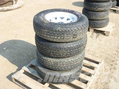 [Other] ROADGUIDER Quantity Of 4 225/75R15