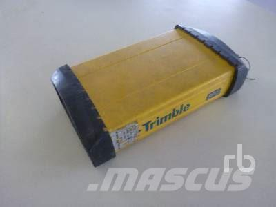 Trimble SPS852