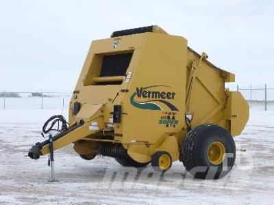 Purchase used Vermeer 605SM round balers via auction