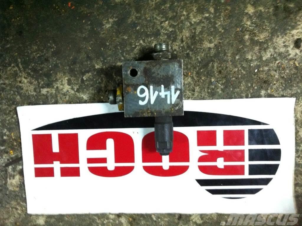[Other] Zawór NN 585610 K52