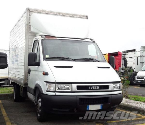 iveco daily 35 s 15 occasion prix 5 800 ann e d 39 immatriculation 2004 fourgon iveco daily. Black Bedroom Furniture Sets. Home Design Ideas