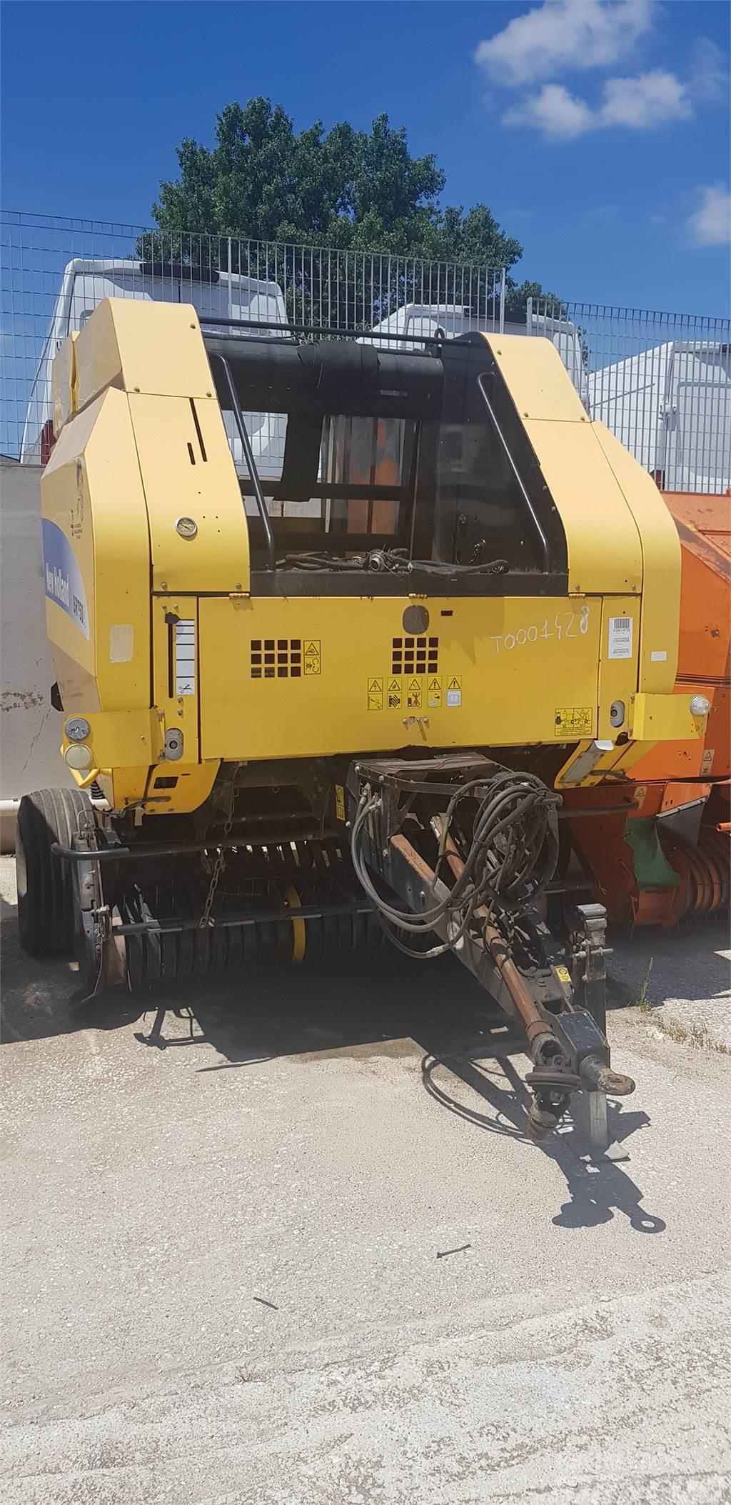 New Holland AGRICOLT BR 750