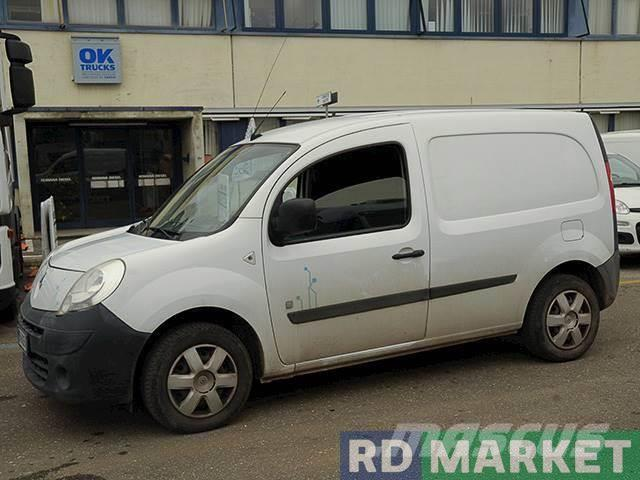 renault kangoo occasion prix 7 500 ann e d 39 immatriculation 2014 utilitaire renault. Black Bedroom Furniture Sets. Home Design Ideas