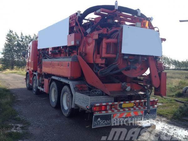 Scania Helmers recycler 164 G, 2004, Slamsugningsbil