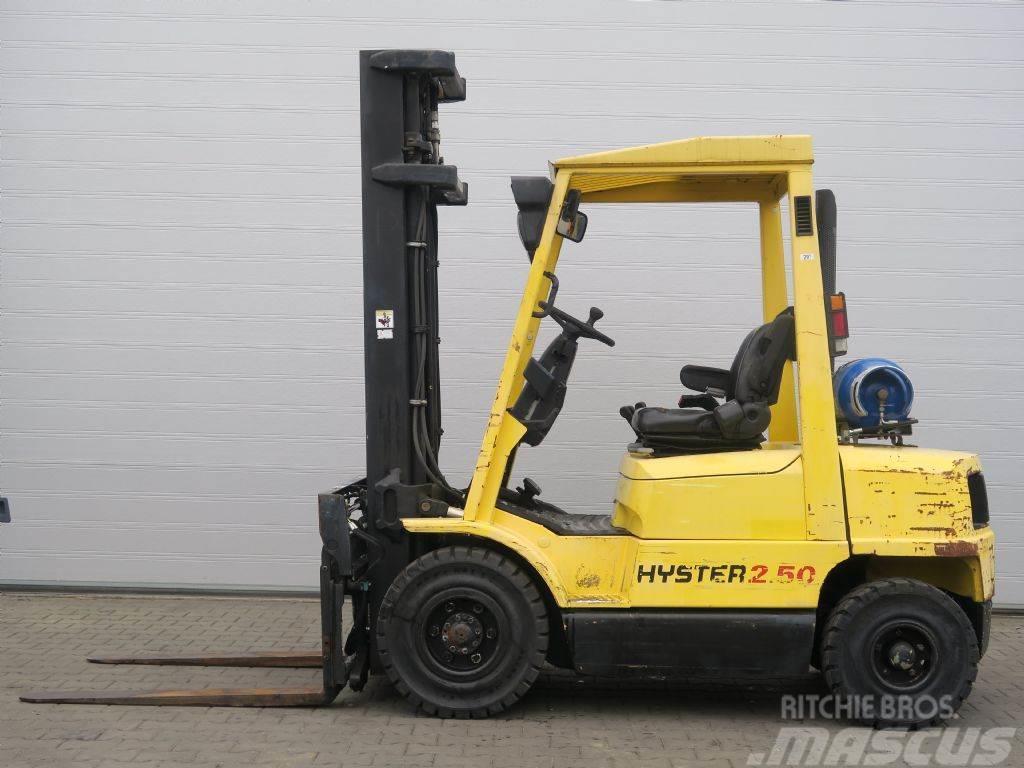 Hyster H2.50XM - TRIPLEX