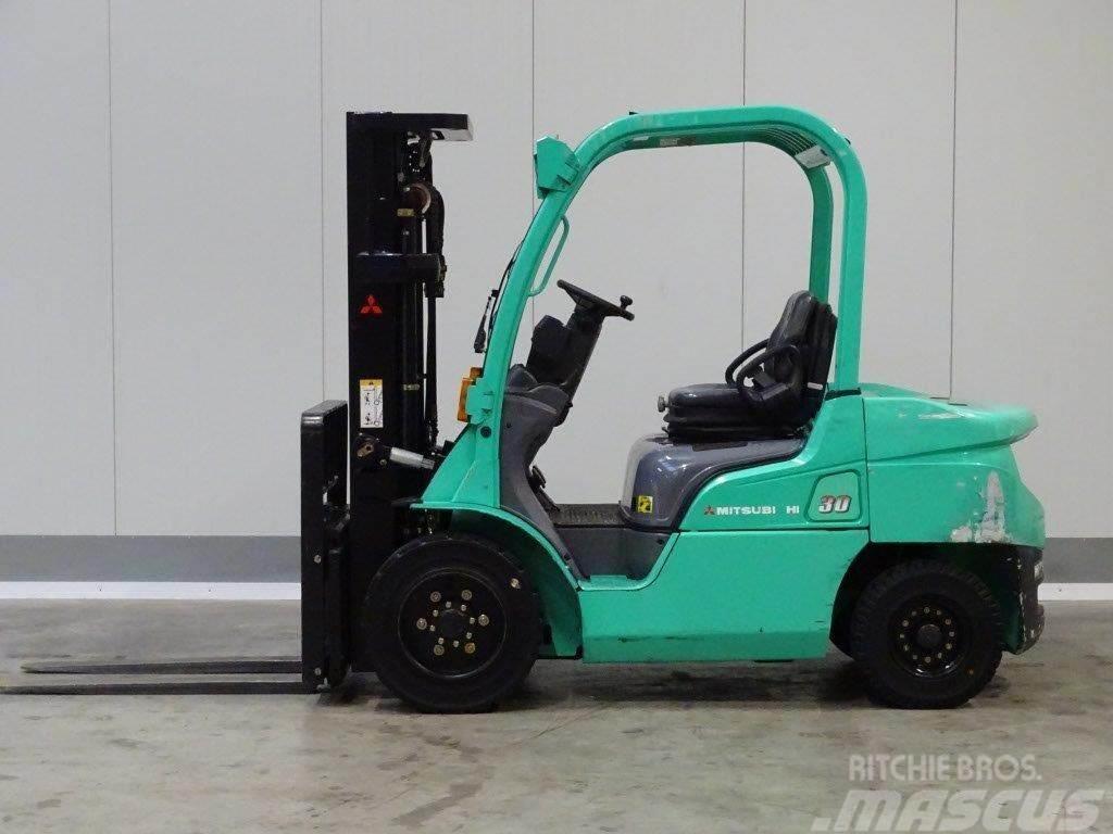 Mitsubishi FD30N - TRIPLEX
