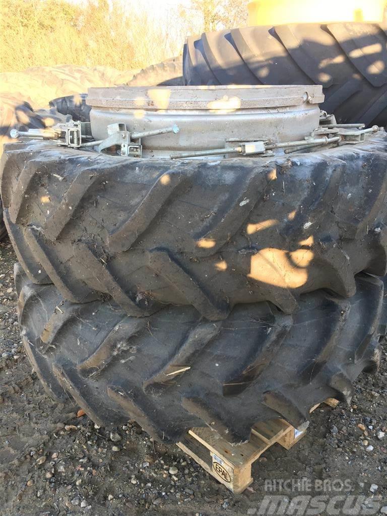 Schaad 18.4 x38 Med Pirelli dæk.