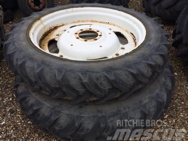 Taurus 11.2-32 & 12.4-46 Komplette hjul