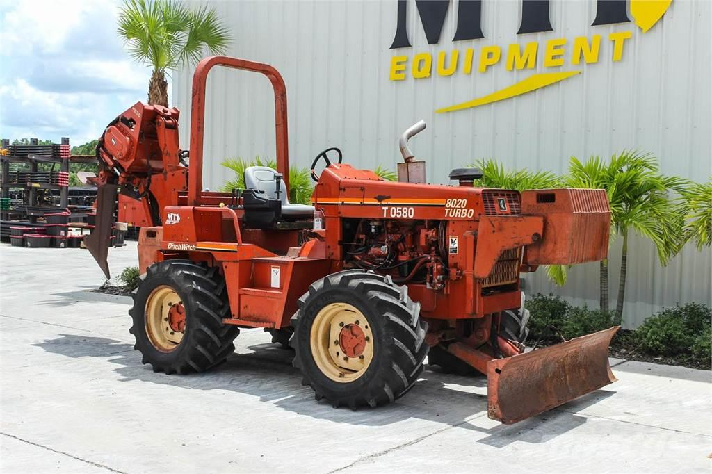 Ditch Witch 8020T
