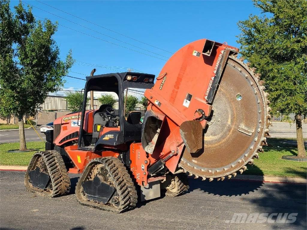 Ditch Witch RT120 QUAD