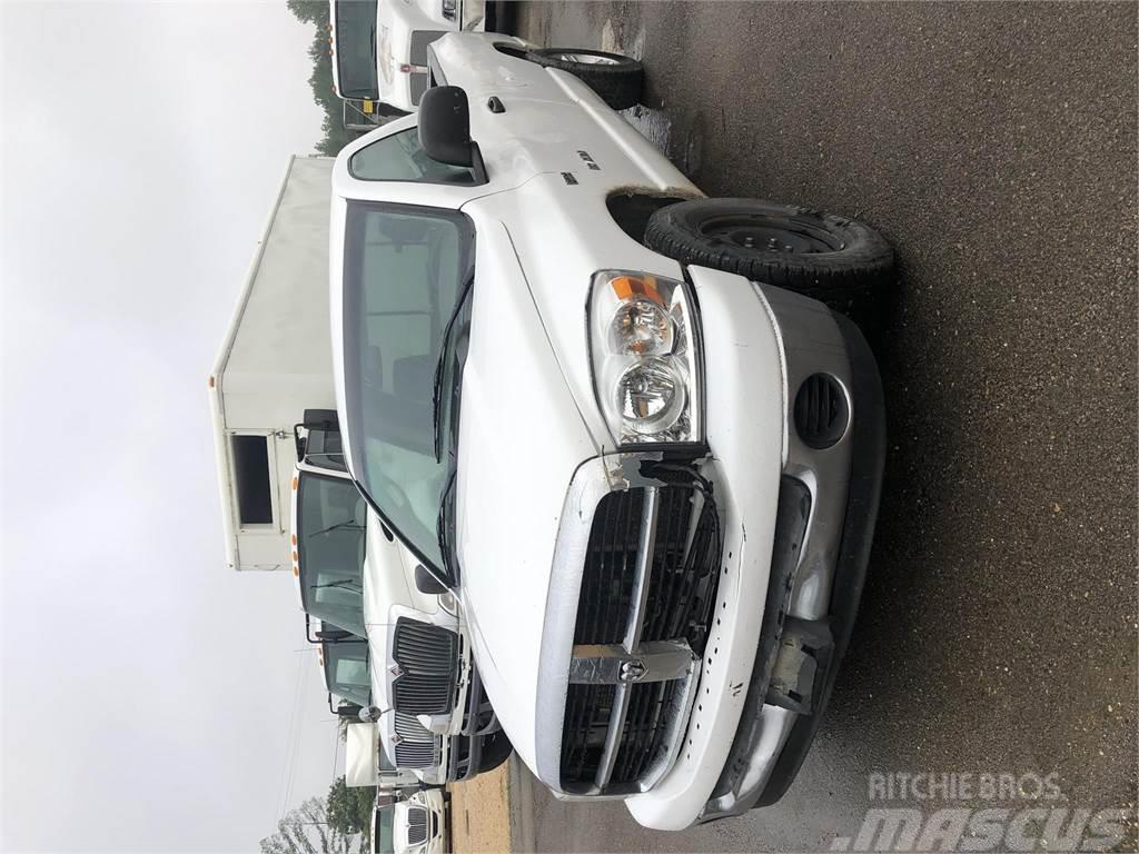 Dodge 1500SLT