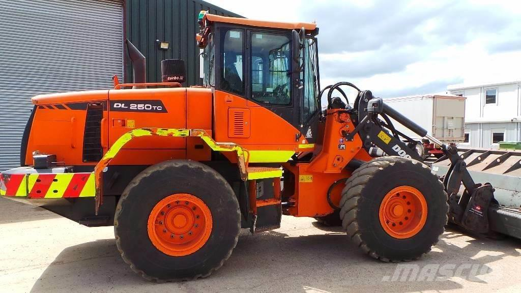 Doosan DL250TC-3