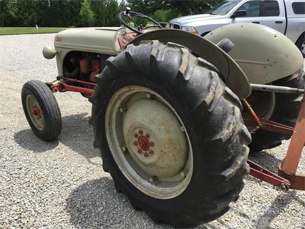 Ford 8n 1949 traktor