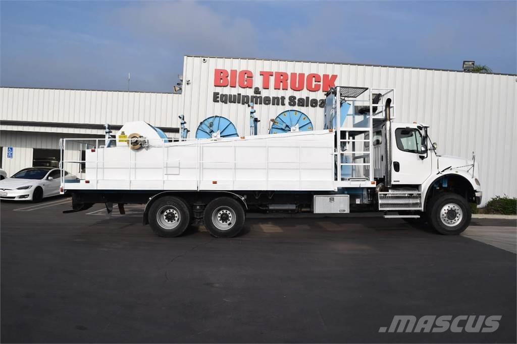 Freightliner BUSINESS CLASS M2 112V