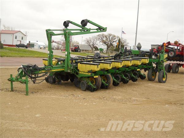 John Deere 1770nt Planters Price R 557 653 Pre Owned Planters