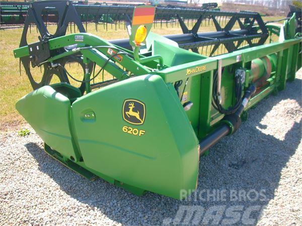 John Deere 620F