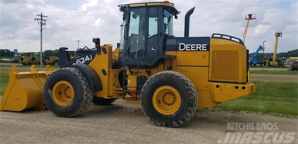 John Deere 624J