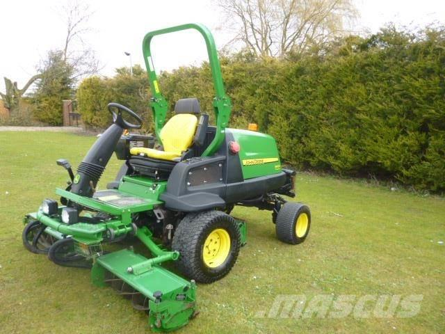 John Deere 8400 TRIPLE REEL MOWER
