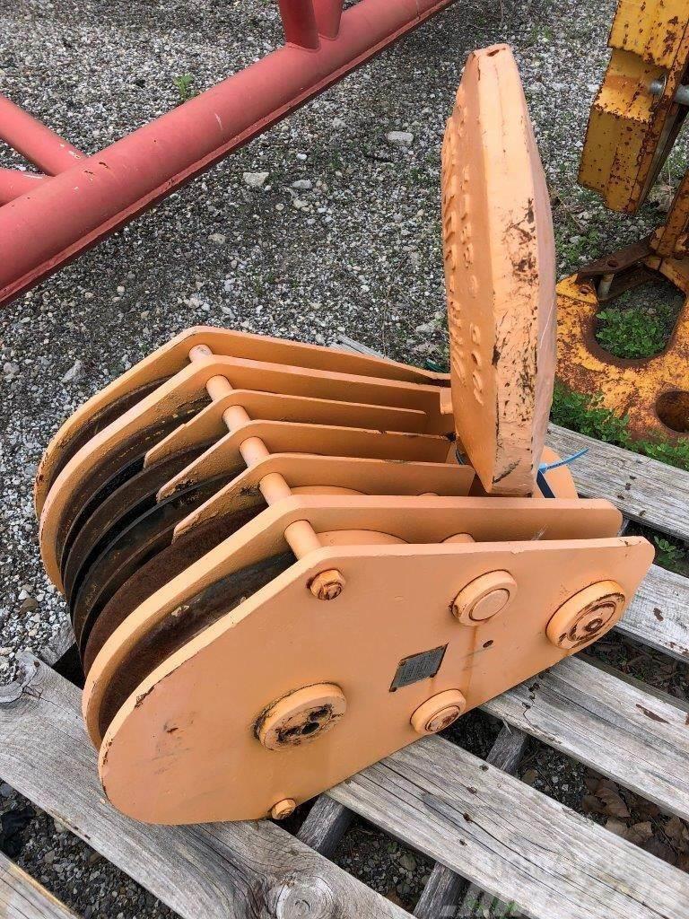 Johnson Hook Block, 9/16 Rope, 6 sheave