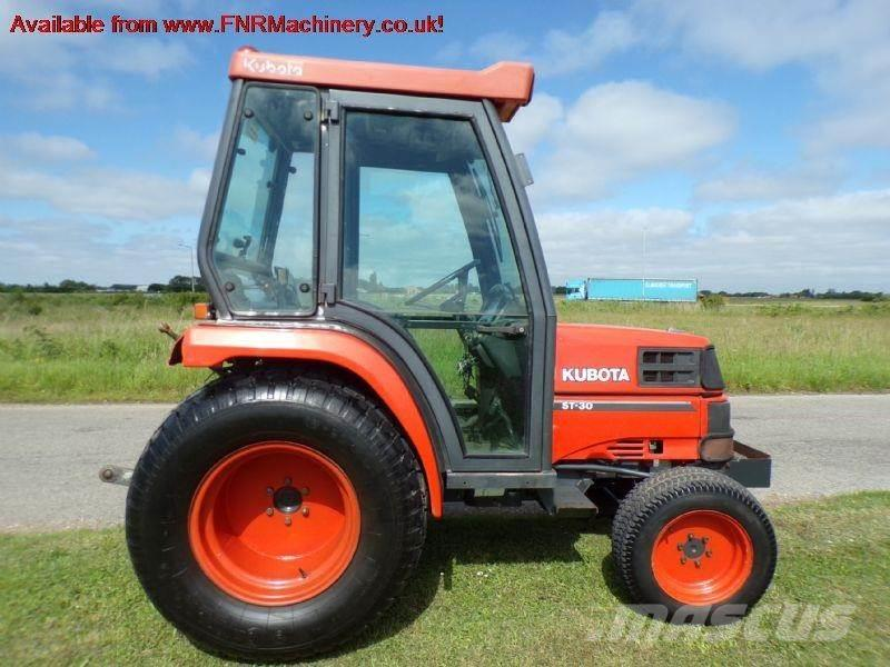 Kubota ST30 COMPACT TRACTOR WITH CAB