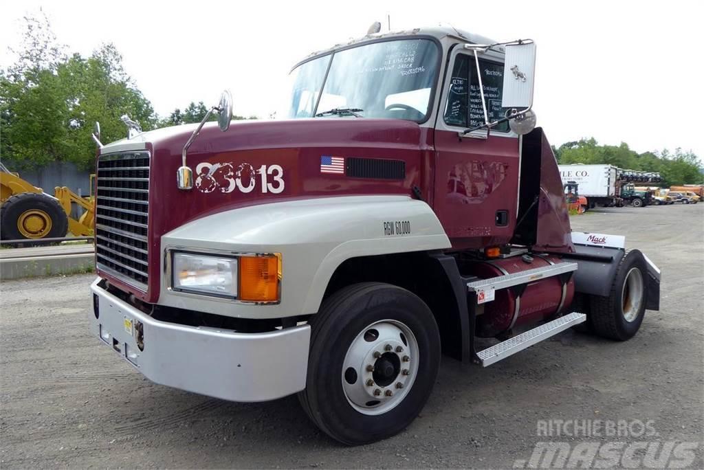 Mack CH612
