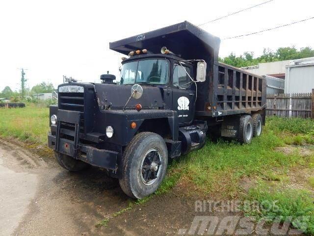 Mack DM600