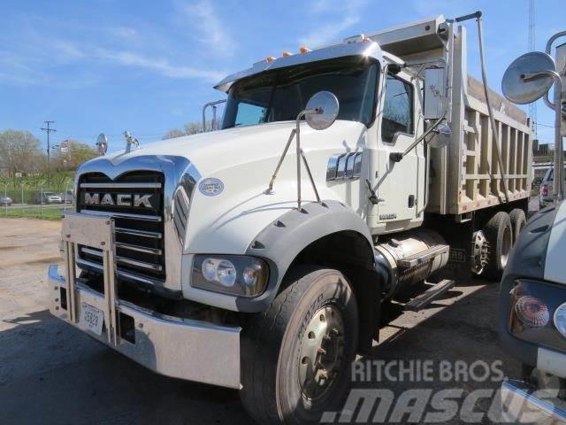 Mack GRANITE GU713
