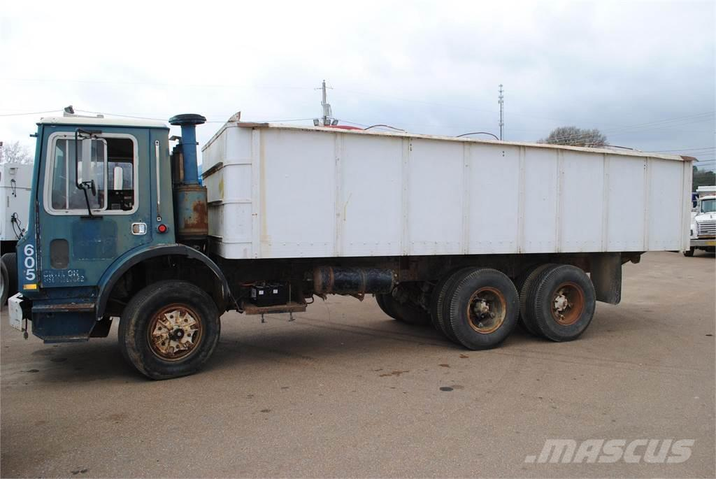 Grain Trucks For Sale >> Mack Mr685 For Sale Covington Tennessee Price Us 4 000 Year