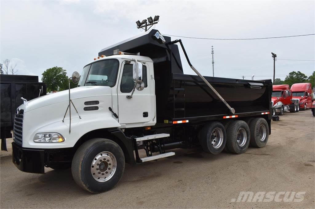 Mack PINNACLE CXU612