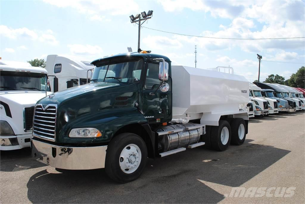 Mack PINNACLE CXU613