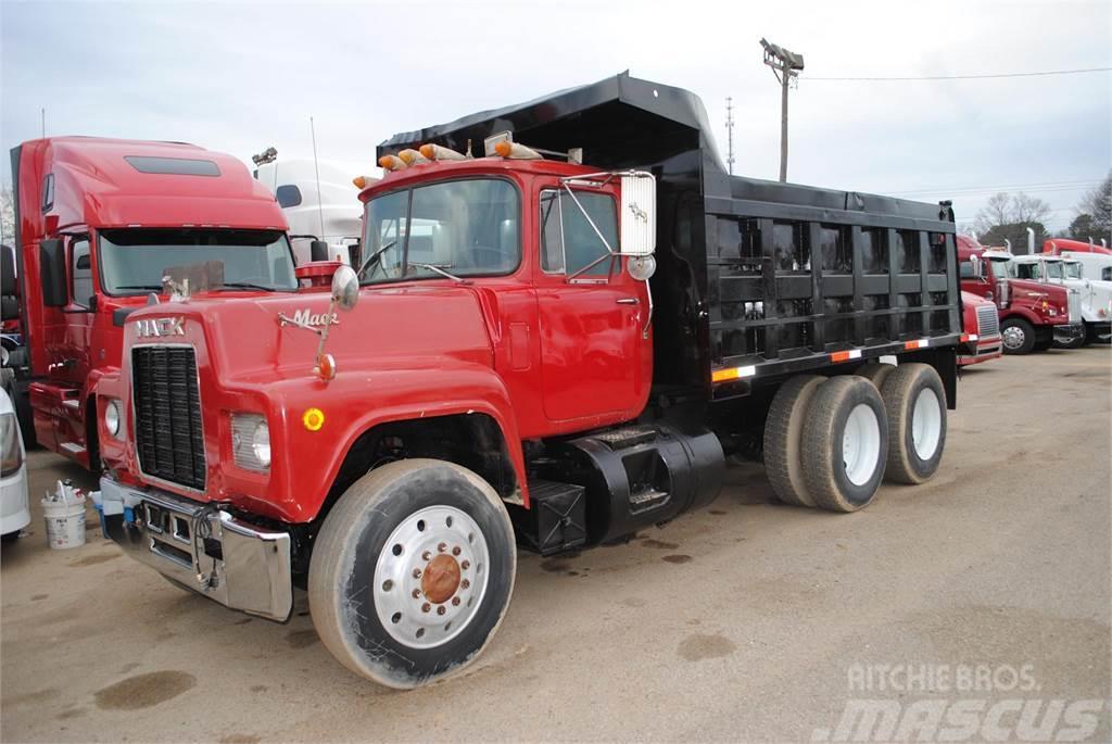 Mack R688