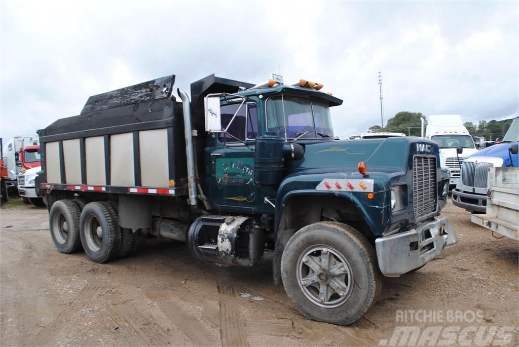 Mack R688ST