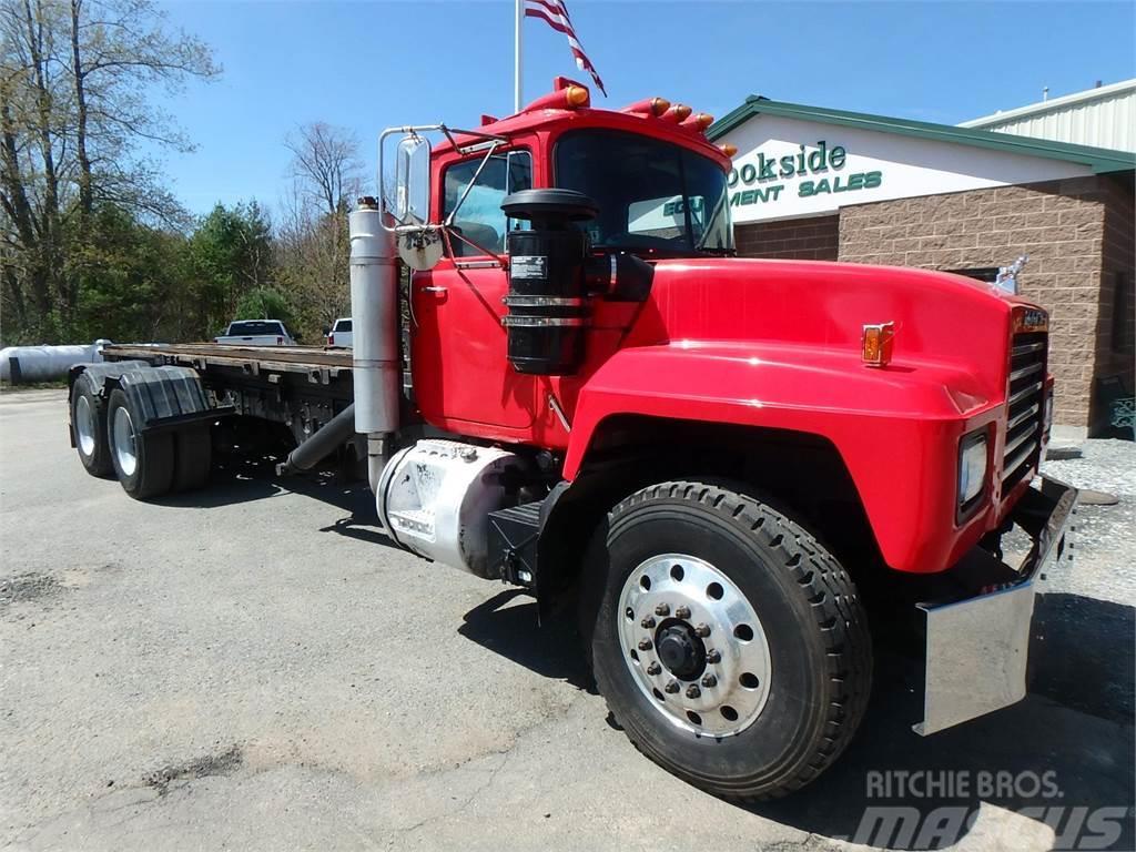 Mack RD688SX