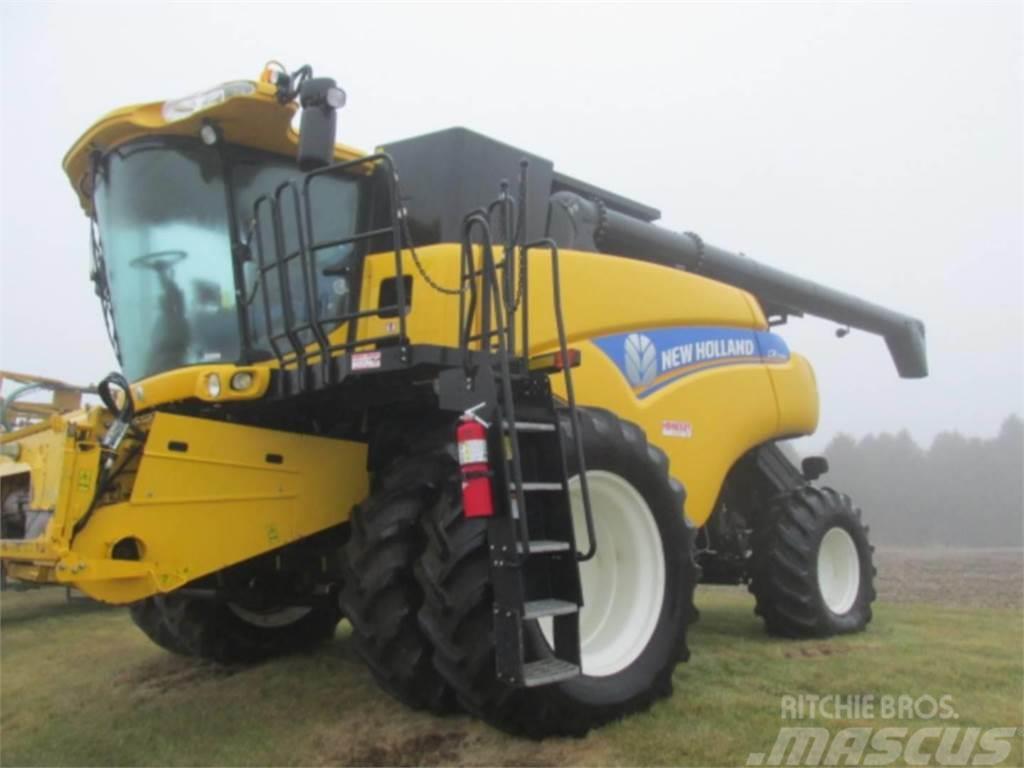 New Holland CR7090
