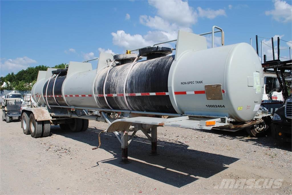 [Other] HALLIBURTON 4000 GALLON TANK