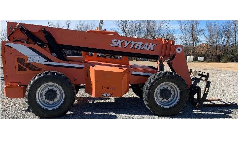SkyTrak 8042