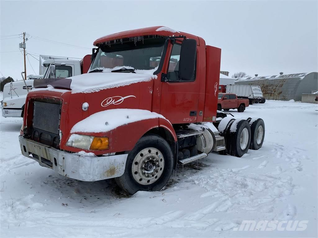 Volvo VNM64T200