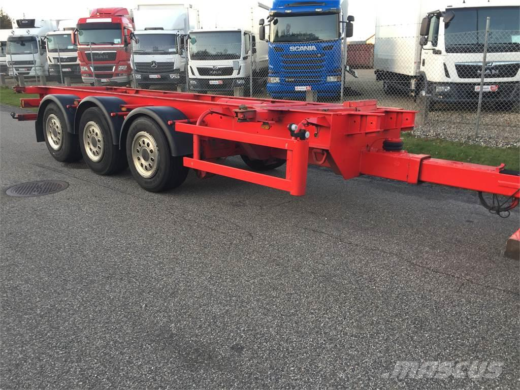 Närko 3 akslet chassis + containerlåse