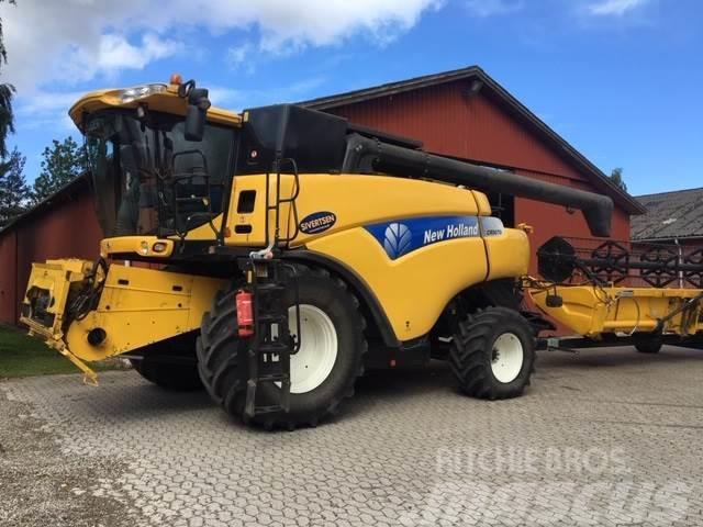New Holland CR 9070 30' Varifeed