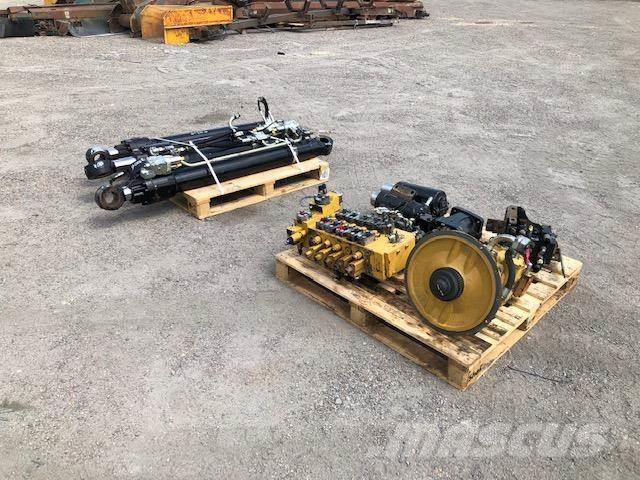 Caterpillar 318D - armatura hydrauliki siłowej