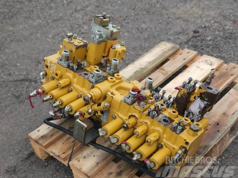 Caterpillar 325 c hydraulic valve
