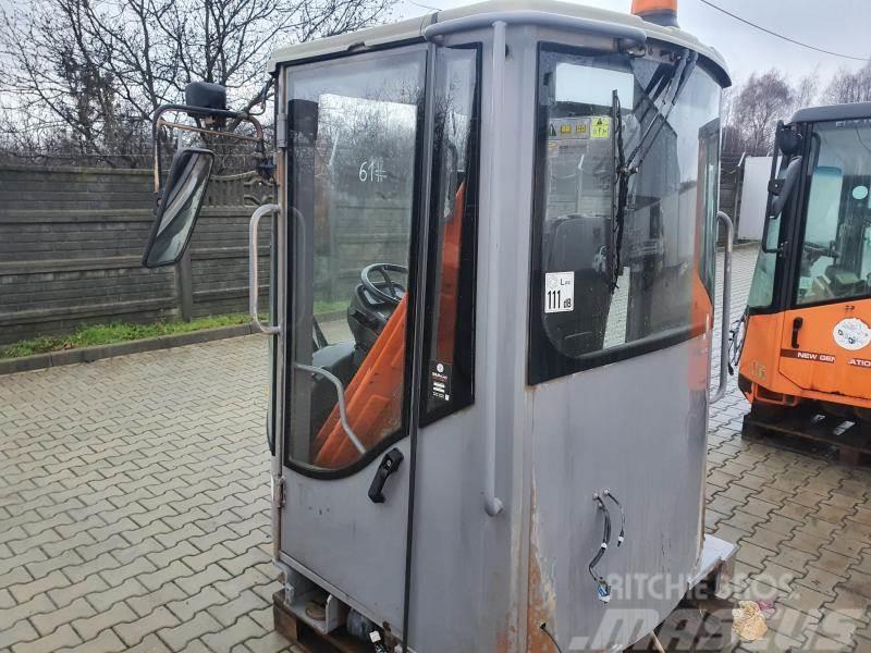 Hitachi LX 290 KABINA