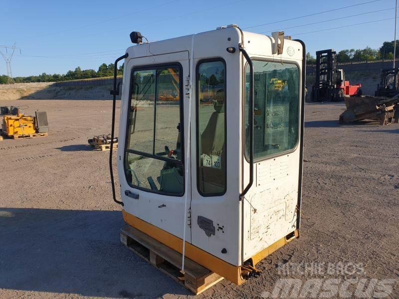 Liebherr 924 cab
