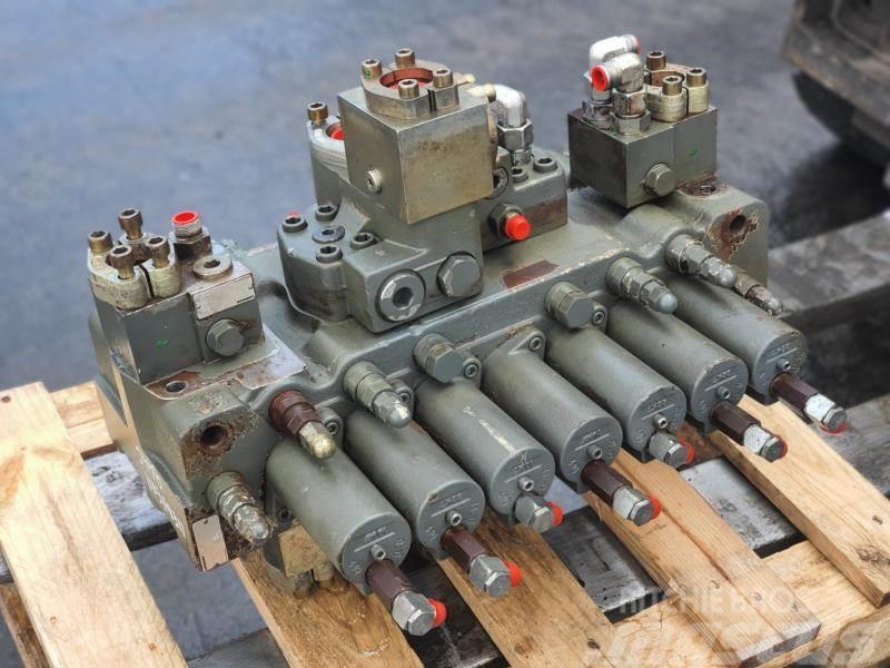 Liebherr 944c rozdzielacz hydrauliczny