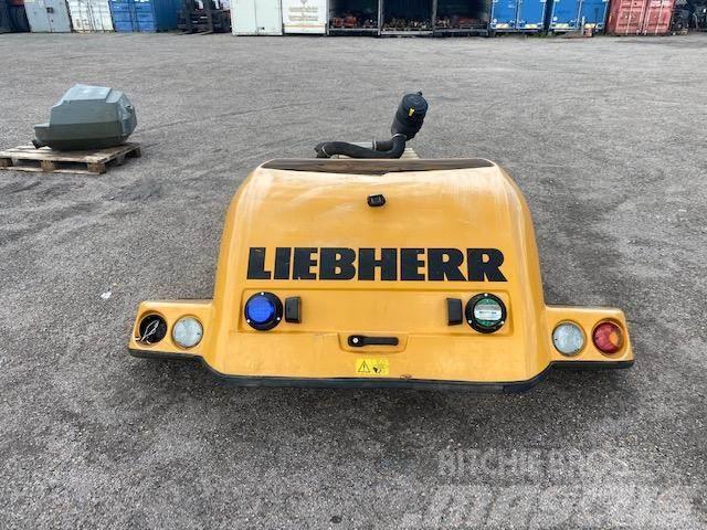 Liebherr l 538 osłłona silnika