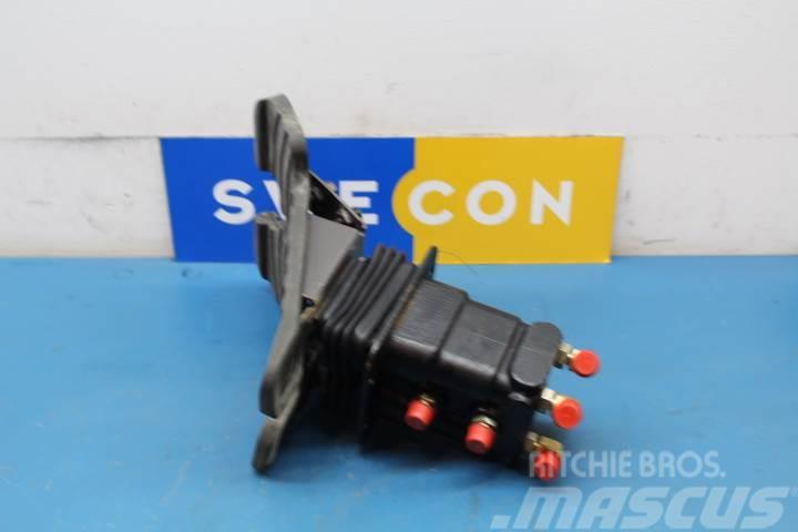 Volvo EC240BLC Hydraulik ventiler
