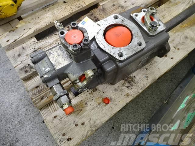 Volvo L180D Hydraulpump P1