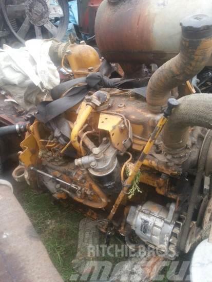 Komatsu 4D105-3, Motorer